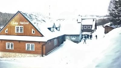 Dojezd k chatě na lyžích